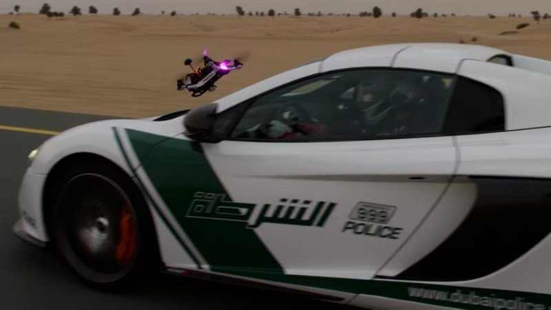 Dubai Police McLaren 650S vs Drone Looks Amazing in 4K