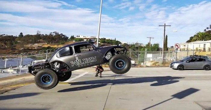 Dude Gets Busted For Hooning His Buggy In The 'Urban Assault' Video