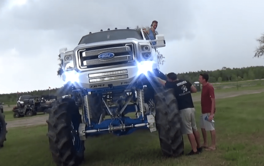 This Million Dollar Monster Ford Mud Truck Doesn T Make Sense Moto Networks