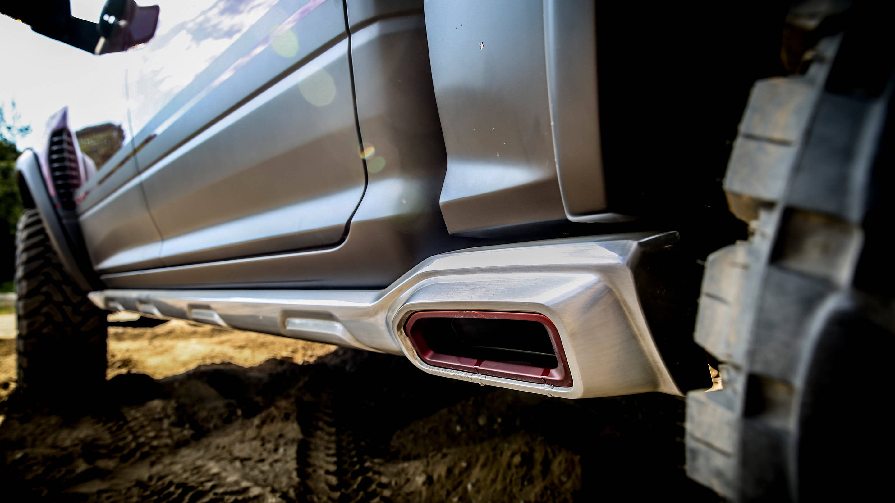 Side pipe exhaust too really!? Hell Yeah Photo: ramtrucks