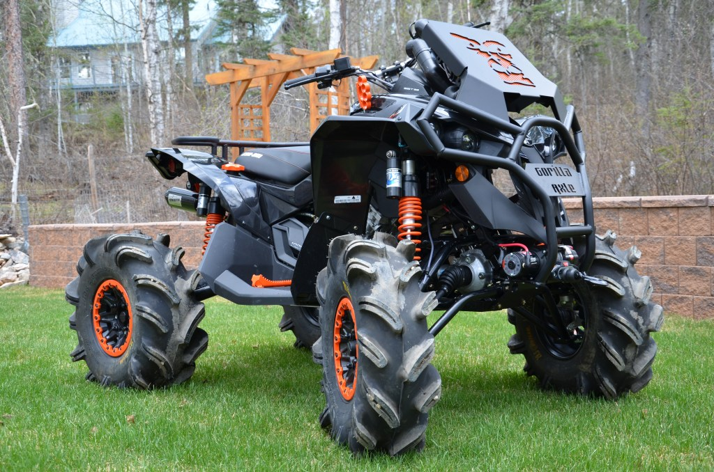 His Can-Am four wheelers Photo: backsexy