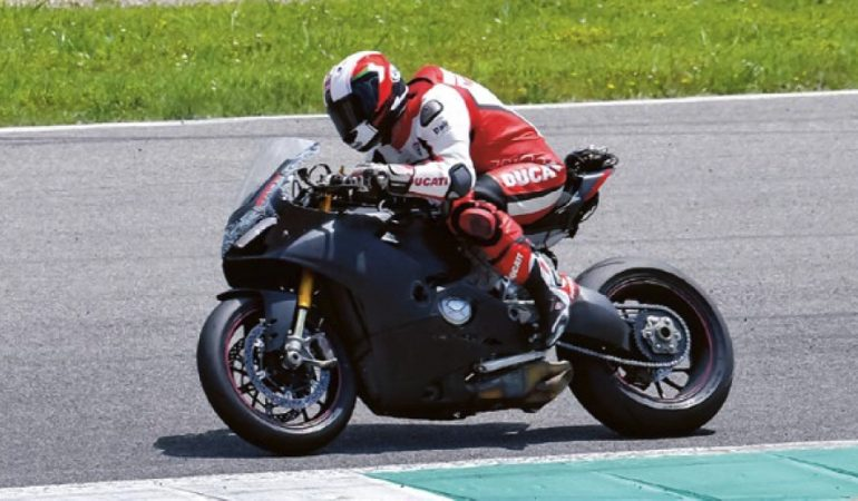 Ducati Is Building A New V4 Superbike, And It Sounds Incredible
